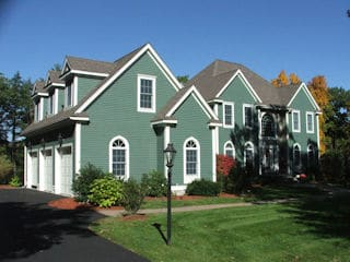 Painters East Kingston NH professional exterior painting.