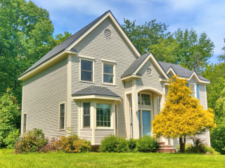 Painters Southern NH exterior painting.