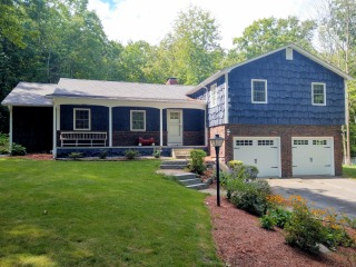 Plaistow nh exterior house painting.
