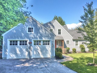 Painters Manchester NH exterior painting.