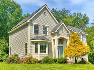 Painters East Kingston NH exterior painting.