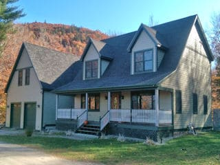 Painters Dunbarton NH residential exterior painting.