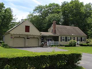 Painters Kingston NH residential exterior painting.