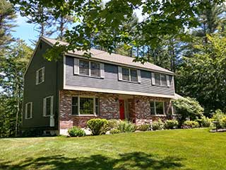 Painters Kingston NH exterior painting.