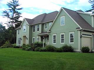 Painters NH exterior painting.